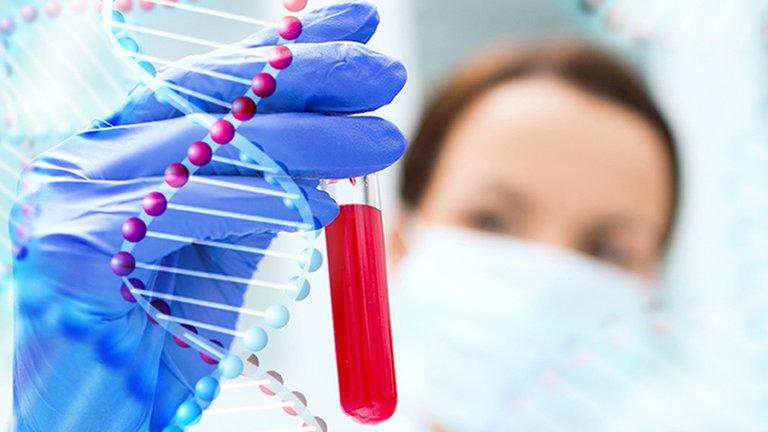 Biopsia líquida: cómo es el método no invasivo que permite diagnosticar el cáncer
