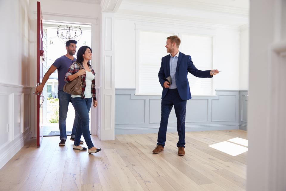 Medidas de prevención al salir y entrar de la vivienda